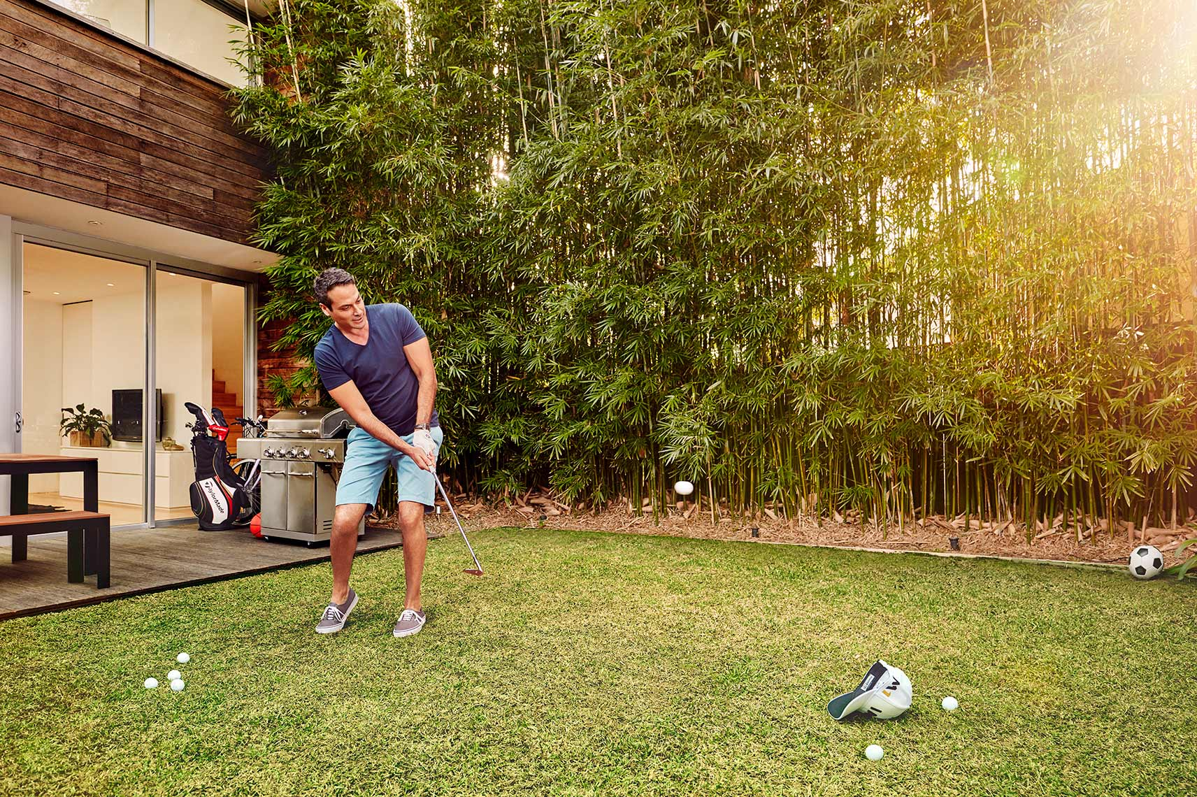 ADAM-TAYLOR-QANTAS-GOLF-BACKYARD-01